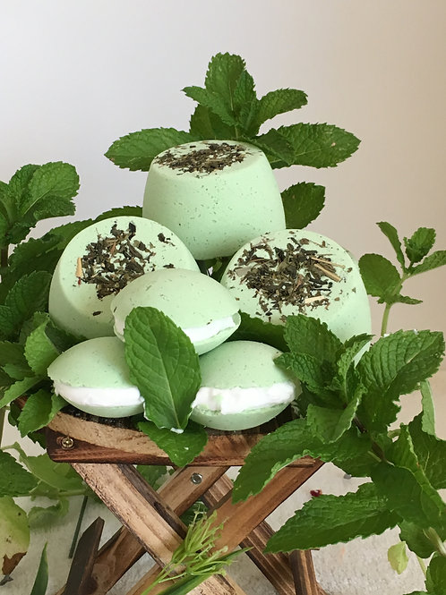 Mint Madness Bath Bomb