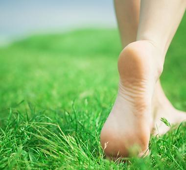 walking-barefoot.png
