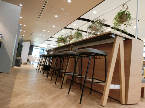 High Counter:wood tilt (DAYS OFFICE) <KOKUYO> High Stool:HANG <Proceed>