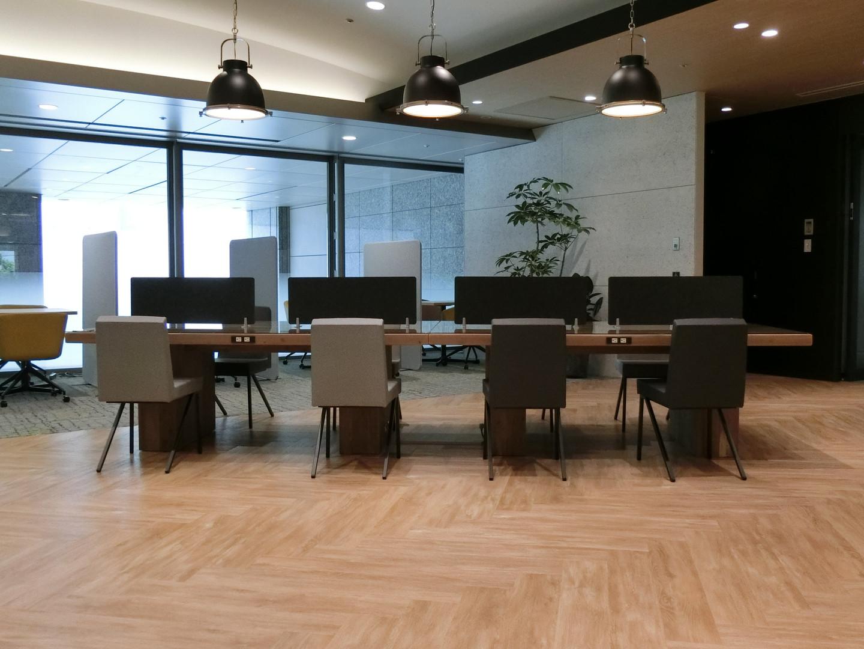 Big Table:Custom Chair:RIMUKA Ⅳ<SOGOKAGU>