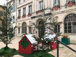 Le_Conseil_Municipal_des_Jeunes_décors_l