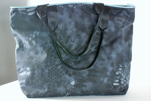 Tango Collection/Tote Black and Grey Camouflage