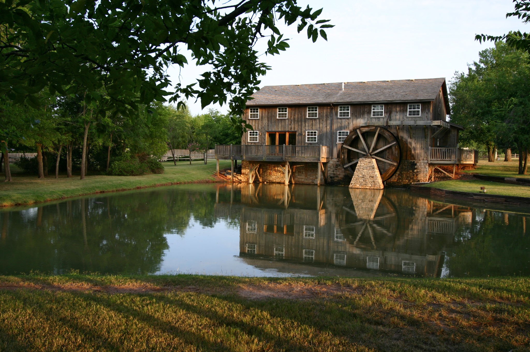 vineyard_water_wheel