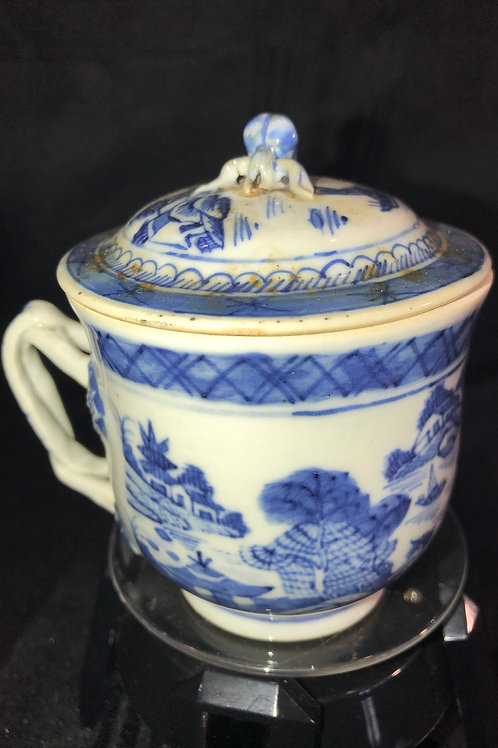 CHINESE LIDDED TEA CUP