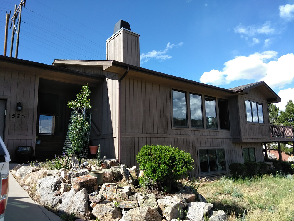 Before Estes Park Colorado Ridgeline Paint Co. Painting Service Exterior Paint Contractor Exterior painting, staining, deck refinishing, Estes Park Colorado with Sherwin Williams Superpaint Paint, Powerhouse Caulking, Pressure washing
