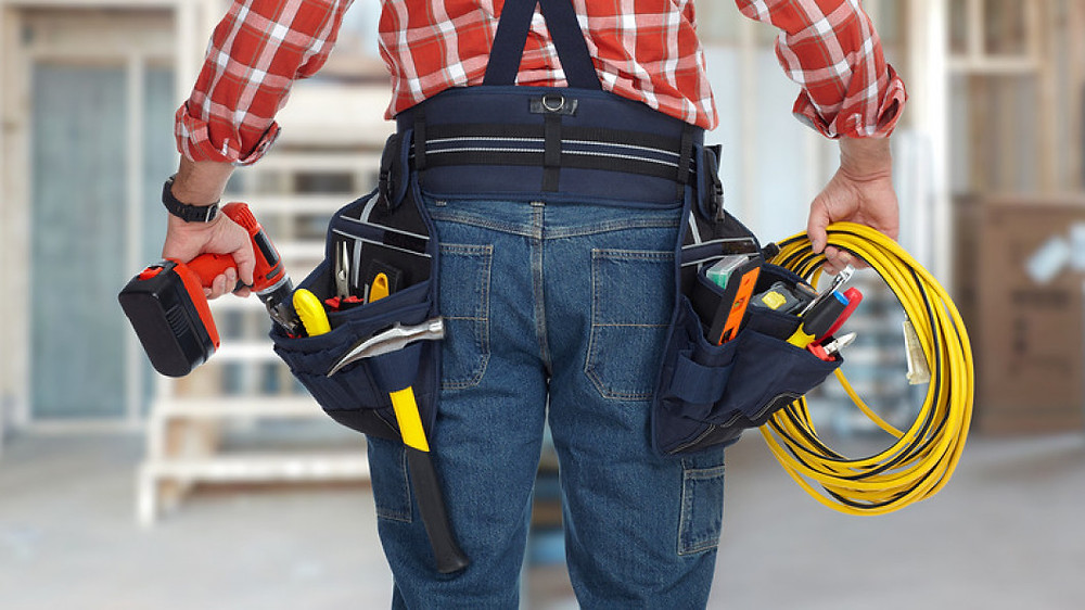 Hiring an Electrician - 8 Things To Know Before Hiring an Electrician