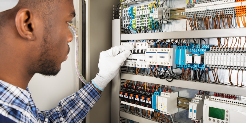 AK Electrical Service are the local Commercial Electricians to call