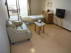 居室は個室と多床室があります