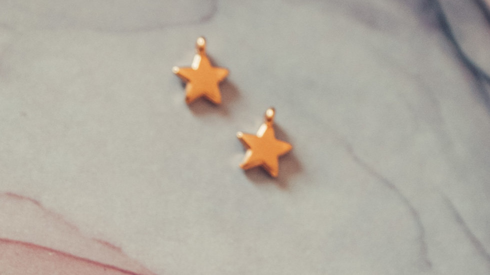 MOMOKO - hanger star