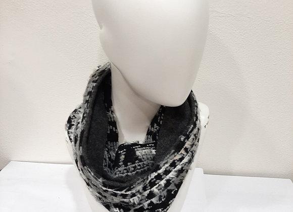 Snood Black & White