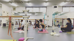 10/14祝スペシャルワークショップ♪♢バーヨガ Bar Yoga