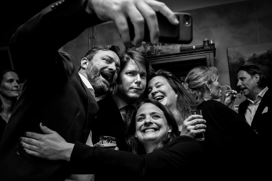 selfie tijdens feest