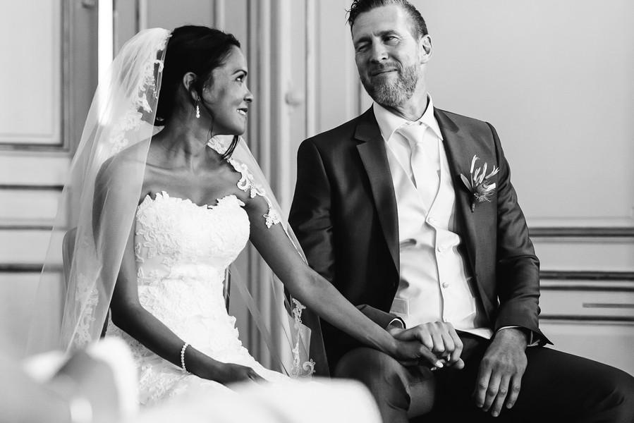 grappig moment bruidspaar