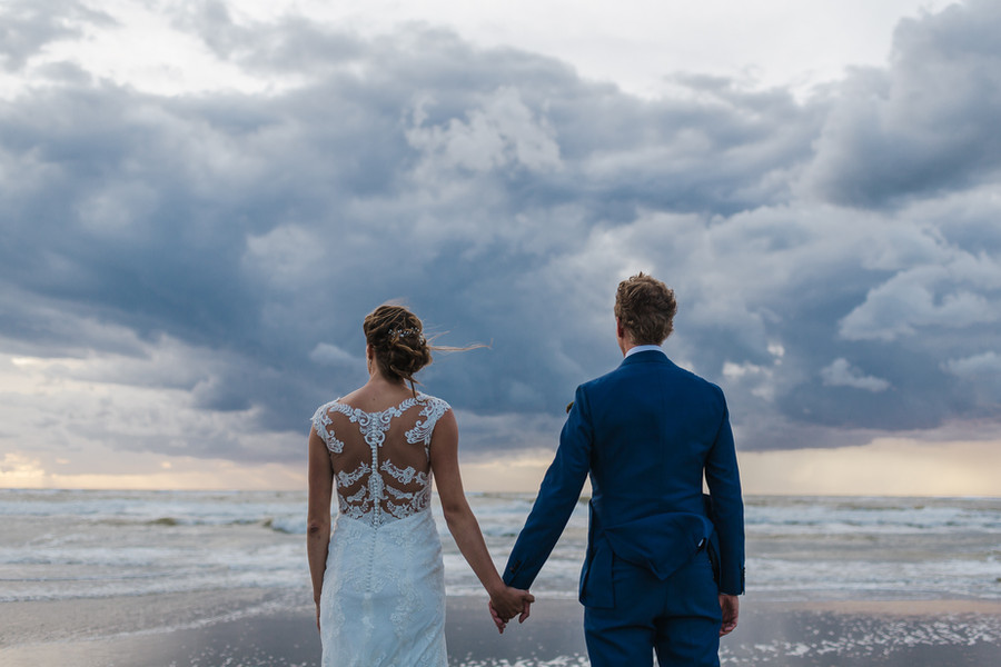 Bruiloft zonsondergang strand