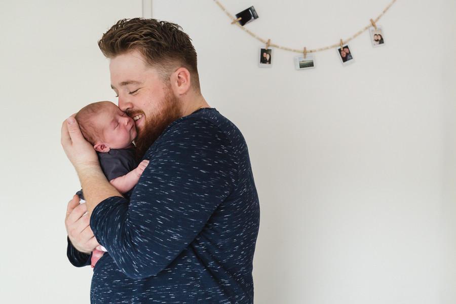 Newbornshoot vader met baby