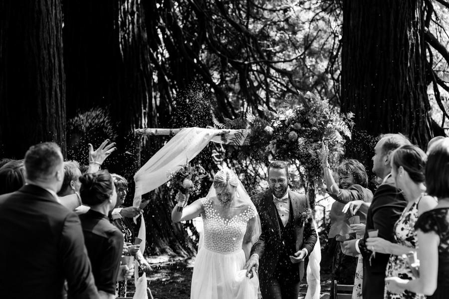 Vrolijk bruidspaar