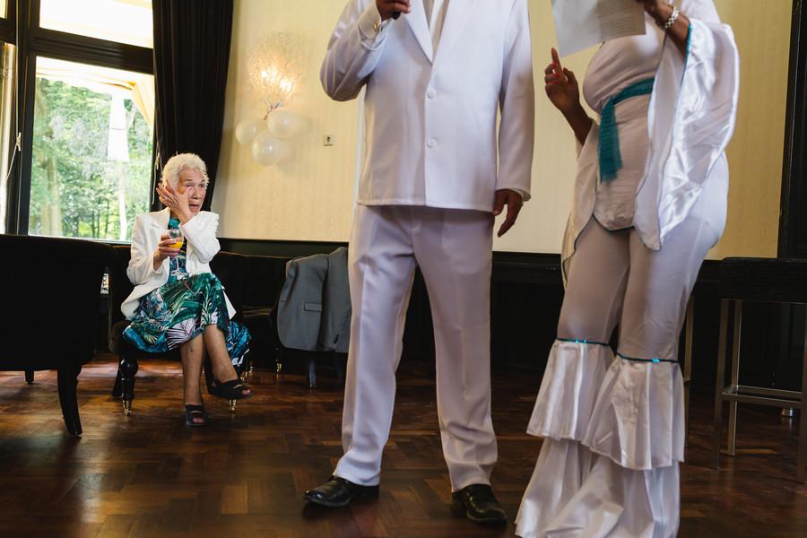 Act tijdens bruiloft