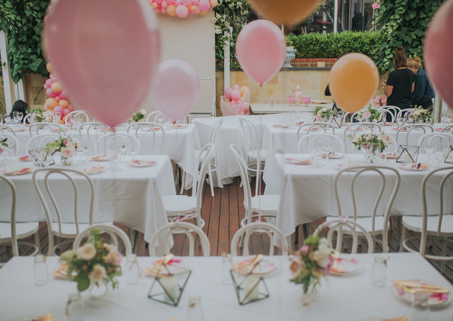 Helium balloons for the kids table