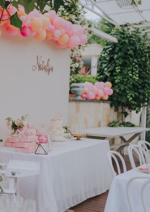 Balloon Garland for Dessert table