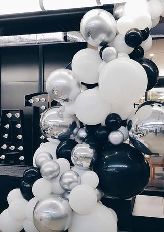 #Decjuba10 balloon installation