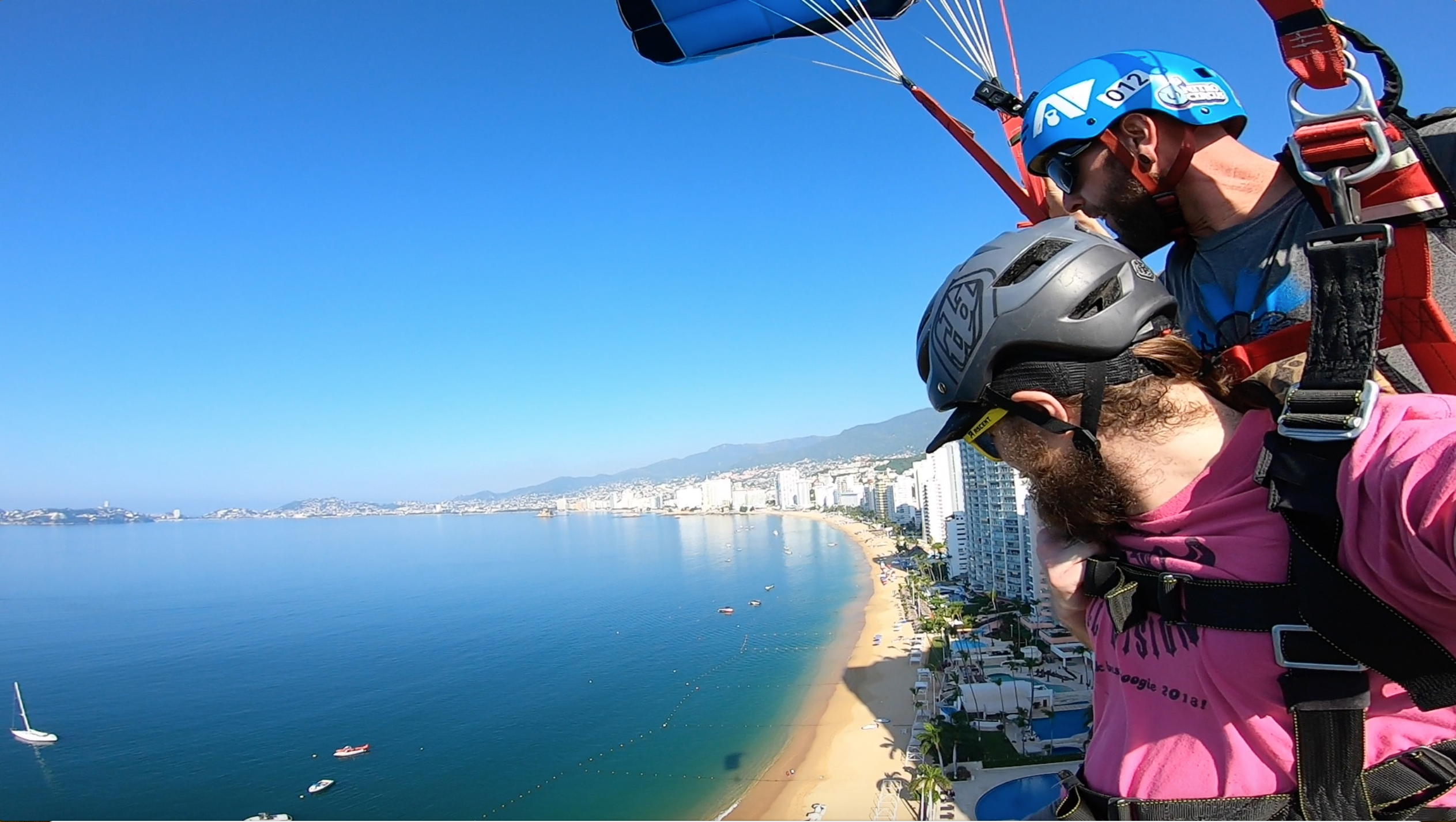 Tandem BASE jumping in Acapulco