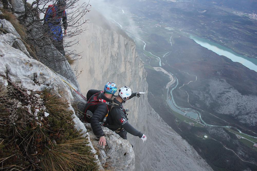 Tandem BASE jumping from cliffs