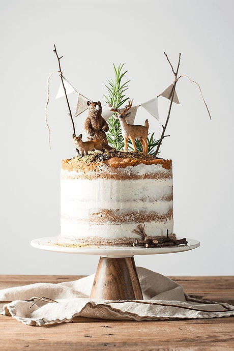 10 Tricks to a Naked Cake - She Holds De