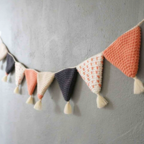 WOVEN BUNTING