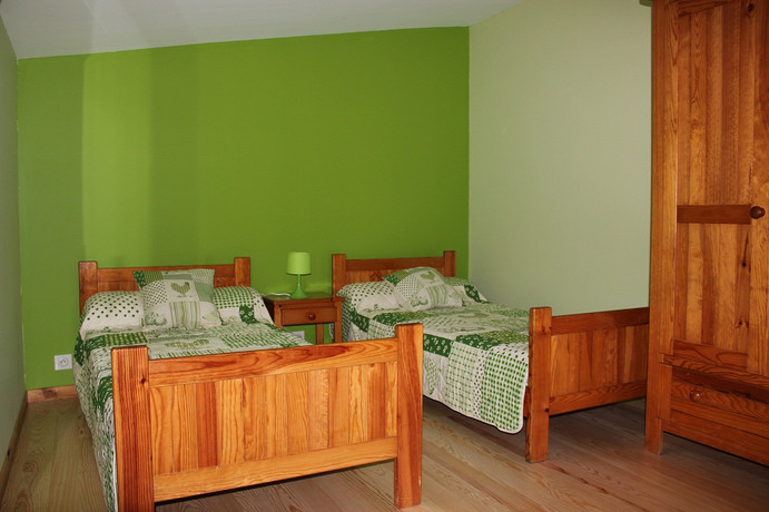 chambre 2 lits.JPG