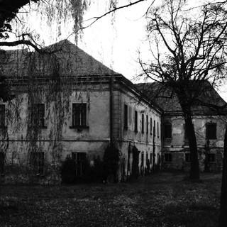 haunted-house-578218.jpg