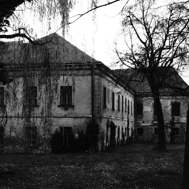 haunted-house-578218.jpg