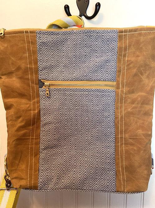 Backpack / Crossbody Bourbon Canvas