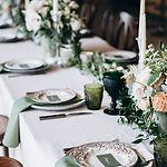 Table maiage décoratio fleurs assiettes perpignan pyrénées orientales déco