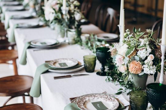 Restaurants - Table Cloths, Napkins etc