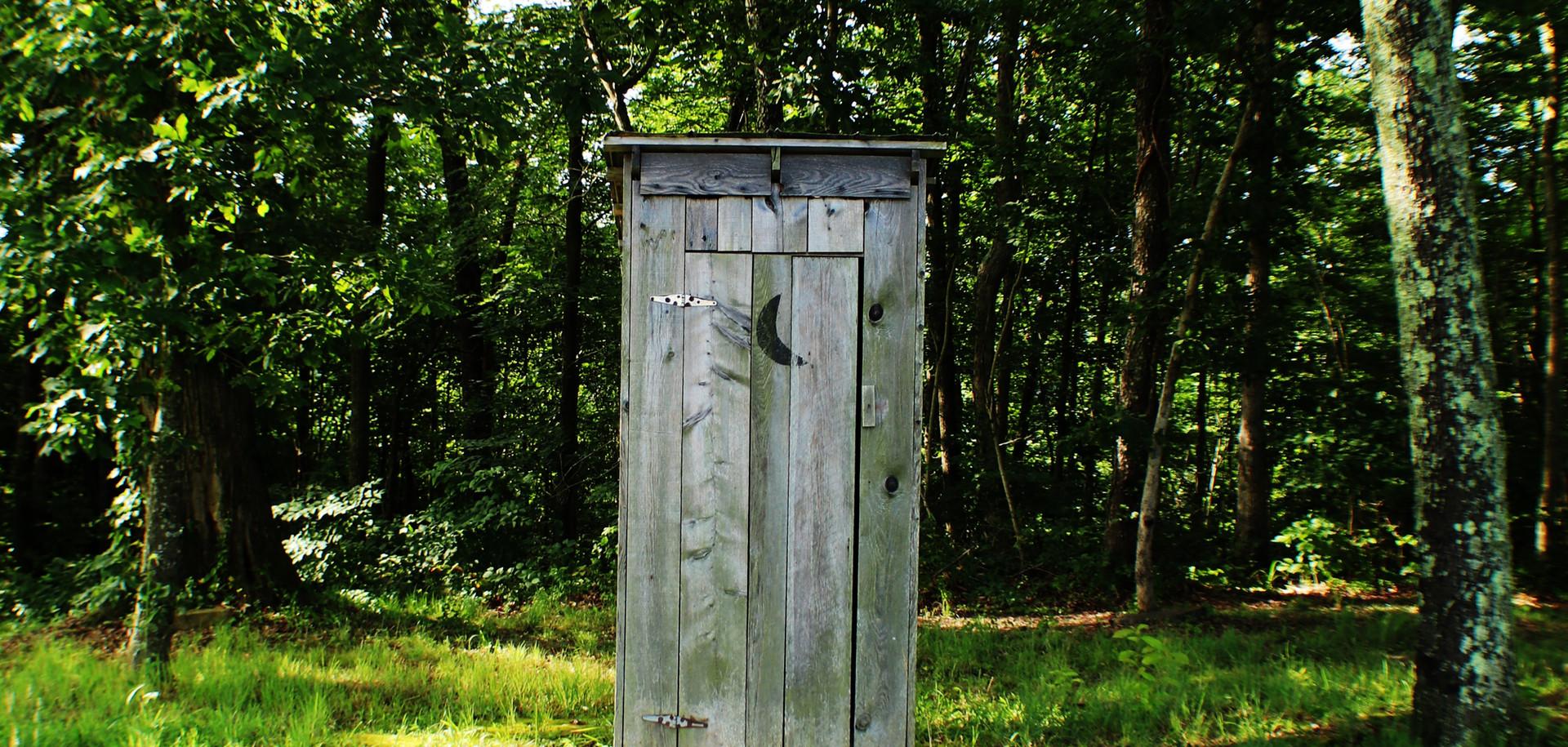 Bra komplement till dusch på mer primitiva platser. Även på hotell utomlands där bara takdusch finns, vilket är vanligt i vissa länder.