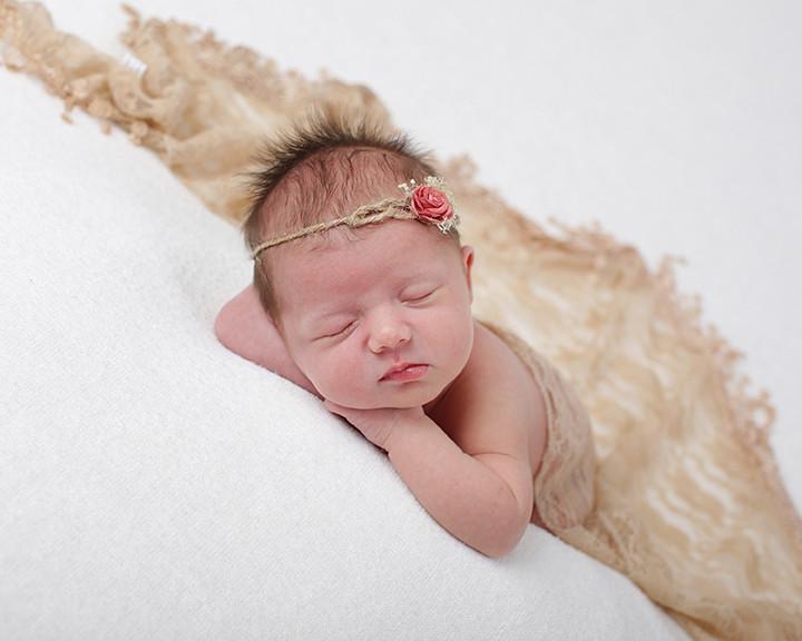 Eyeconic newborn shoot, Bristol