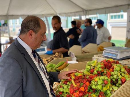 Mercado Especial en facilidades del Departamento de Agricultura