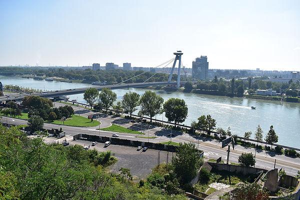 UFO Bridge Most SNP Bratislava.jpg