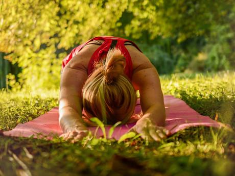 Yoga im Freien – warum ich lieber drinnen übe