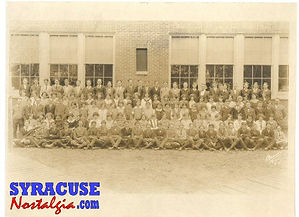 site-mainstreetschoolclass1925.jpg