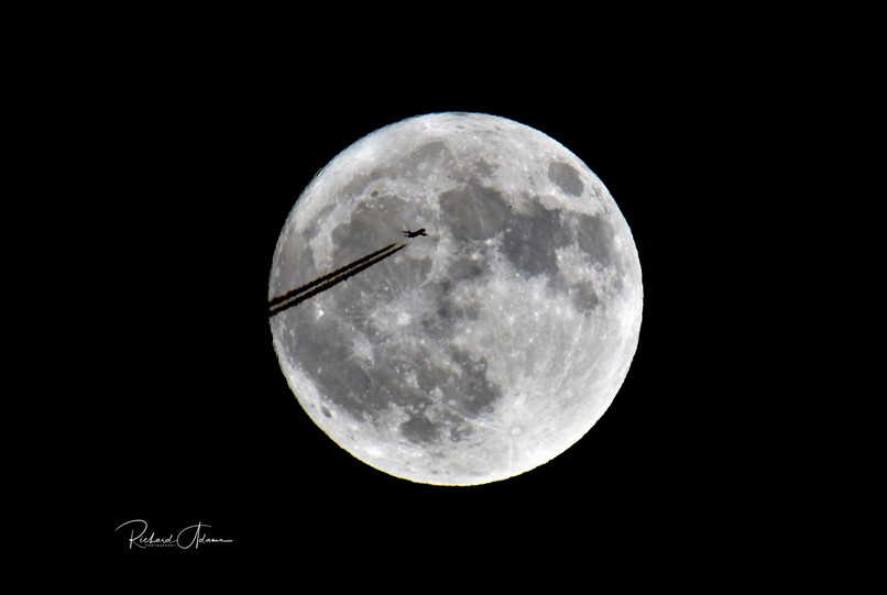 Flight over the Moon
