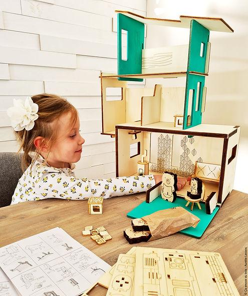 La maison des Ursidae - Ça envoie du bois - maison de poupée francaise