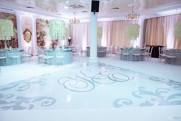 свадебный танцпол, высокие свадебные композиции, отель, красивая свадьба, свадебное агентсво Тюмень ,ксения стан