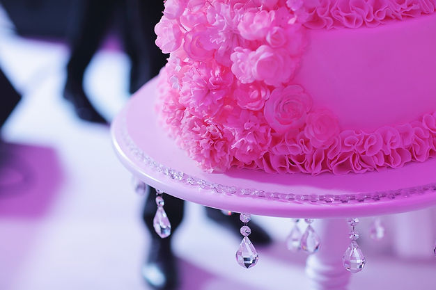 шикарный свадебный торт Тюмень. Свадебное агентство и свадебный организатор Wedding Production И Ксения Стан Тюмень. Свадьба в Шатре.