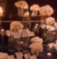 классическая зона рассадки в европейском стиле. свадебное агентство Нового уровня представляет. Weding Production wpwedding и Ксения Стан. роскошный цветы и свечи на зоне рассадке в ресторане.