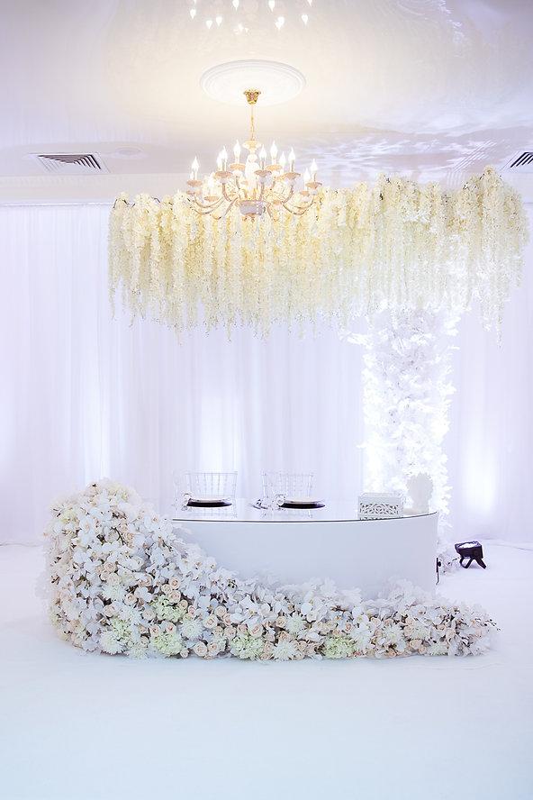 дерево на свадебном банкете, свадебный декор от студии декора, свадебное агентство Тюмень