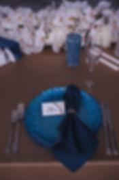 свадебный стол, свадебные свечи,крсивое форомление свадебного стола. оформление и дизайн свадьбы в Тюмени. свадебный организатор свадебное агентство Тюмень. выездная регистрация в тюмени. Красивый стол молодоженов.
