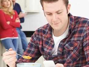 Cassazione: il figlio divenuto maggiorenne perde assegno di mantenimento, salvo sua prova contraria.