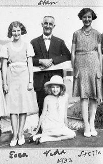 Stan, Ecca, Vida, Stella, 1932.jpg
