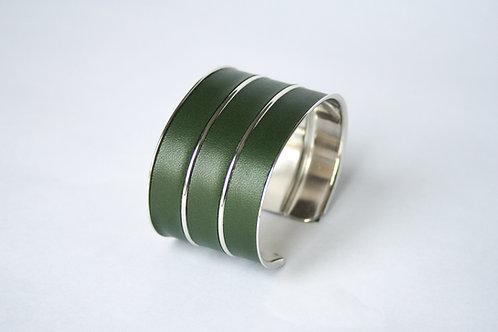 Bracelet manchette jonc cuir kaki vert argent laiton le bellifontain